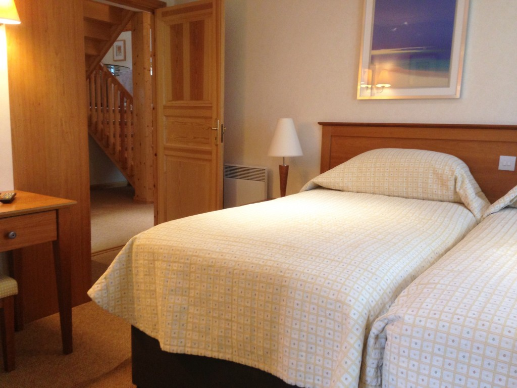Q Lodge twin bedroom