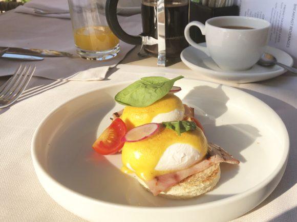 Eggs Benedict at Sani